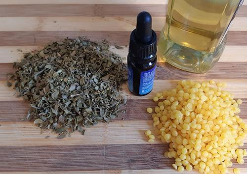 How to Make a Chapparal Salve for Wounds and Skin Infections - Ingredients