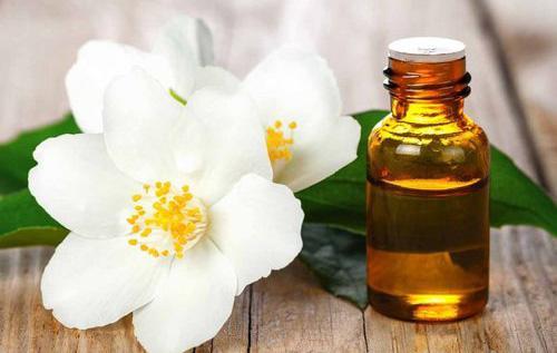 The complete list of essential oil substitutes- Jasmine
