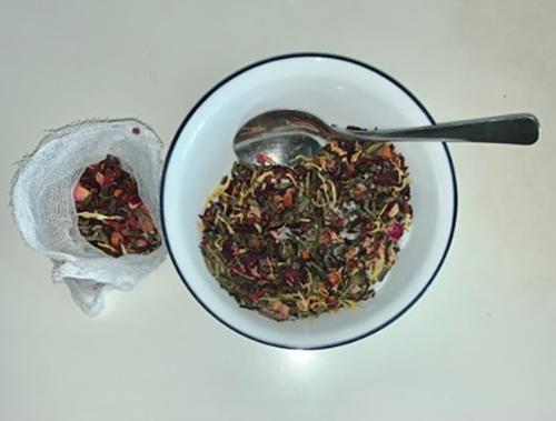 Soak Your Troubles Away with Homemade Tub Tea 2