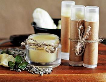 10 Natural Remedies You Can Only Make this Winter - Lip Balm