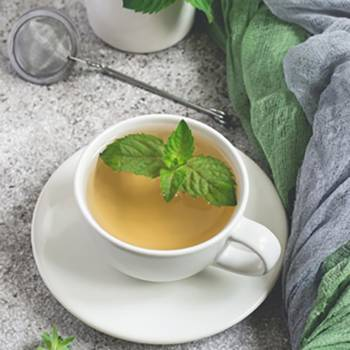 The 6 Best Bedtime Teas That Help You Sleep - Peppermint Tea