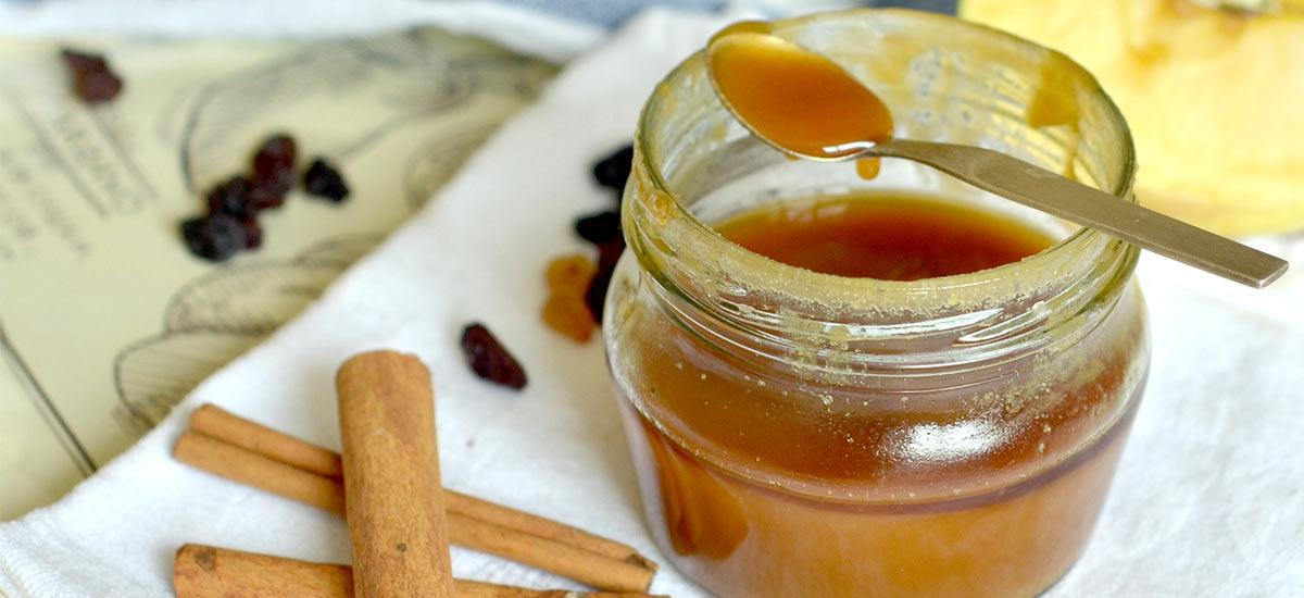 What Happens If You Add Cinnamon To Your Honey Jar