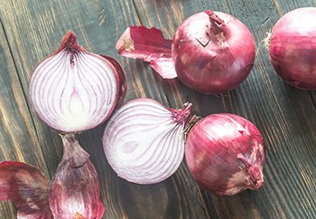 10 Natural Remedies for Toothaches - 5. Onion