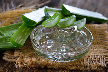 10 Natural Remedies for Toothaches - 9. Aloe Vera