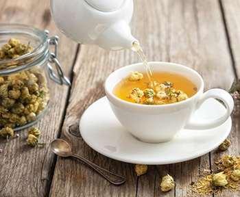 Bedtime Drinks that Burn Belly Fat - Chamomile Tea