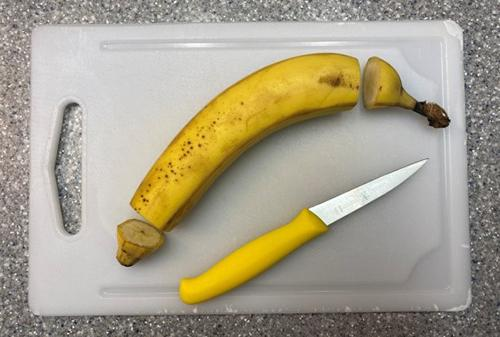 What Happens if You Pour Hot Water Over a Banana - 3