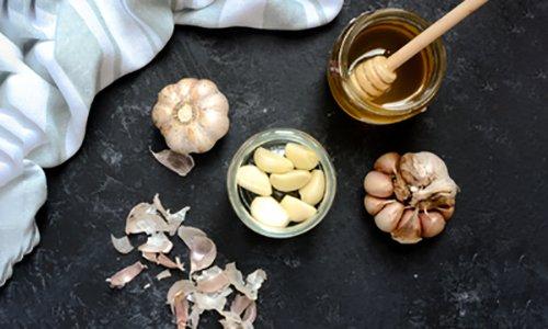 Homemade-Fermented Honey Garlic-1
