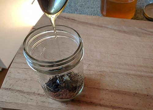 How To Infuse Honey with Elderberry 1