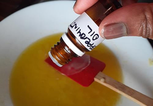How to Make an Antihistamine Balm for Natural Allergy Relief - Step 7