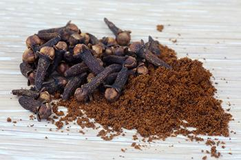 How to Stop Sugar Cravings Naturally - Clove