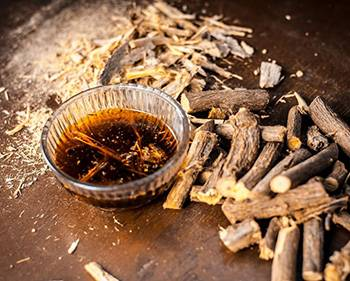 10 Herbs That Kill Viruses and Clear Lungs - Licorice
