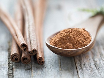 How To Make a Cinnamon Painkilling Tincture - Cinnamon