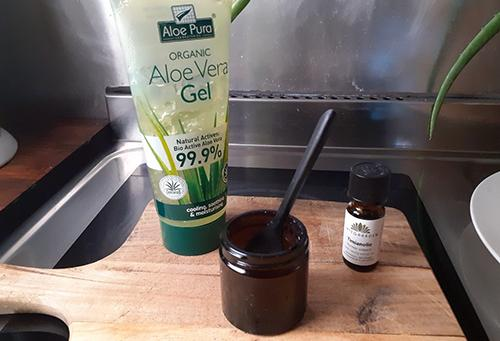 How to Make Your Own Snore Relieving Gel in a Jar - First Recipe 6