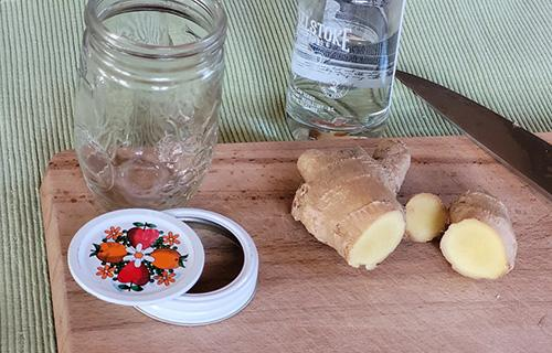 How to Make a Ginger Tincture - Step 1
