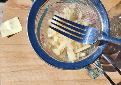 How to Make a Ginger Tincture - Step 7